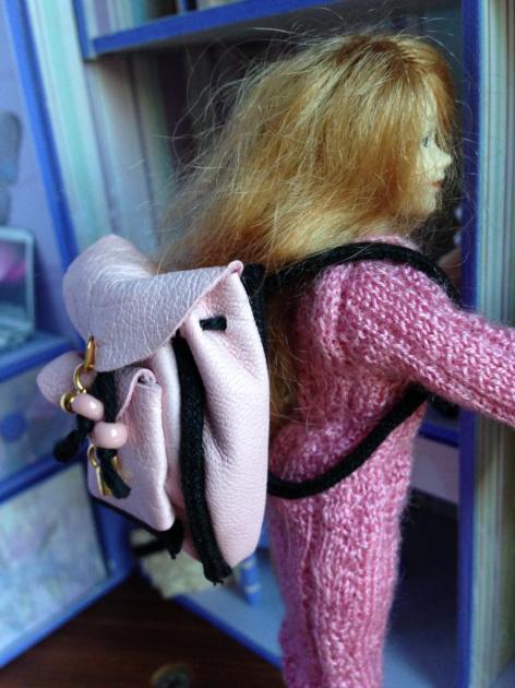 Scarlett et son sac à dos