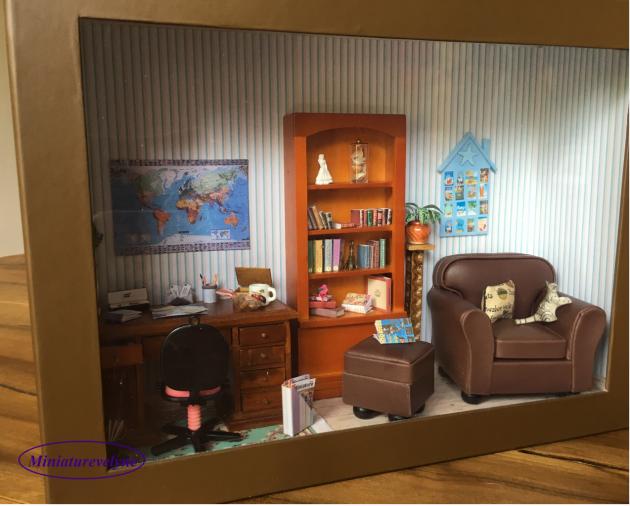 Nouvelle vitrine représentant un Bureau  33x25x10 cm