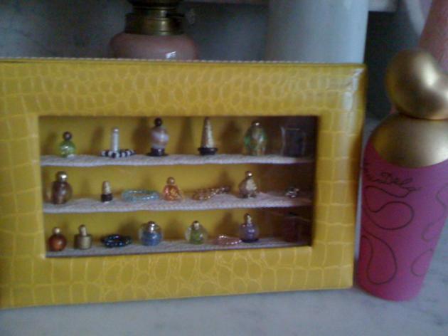 Parfum et collier